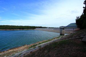 Lam-Takhong-Dam-Nakhon-Ratchasima-Thailand-02.jpg