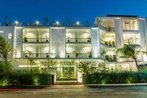 Landing-Gold-Villa-Siem-Reap-Cambodia-Exterior.jpg