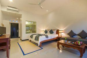 Landing-Gold-Villa-Siem-Reap-Cambodia-Room.jpg