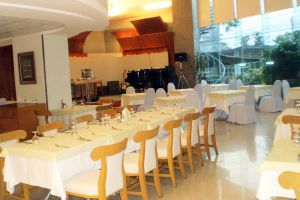 Lanna-Palace-2004-Hotel-Chiang-Mai-Thailand-Restaurant.jpg