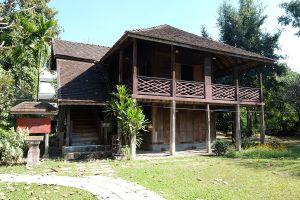 Lanna-Traditional-House-Museum-Chiang-Mai-Thailand-05.jpg