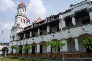 Lawang-Sewu-Central-Java-Indonesia-002.jpg
