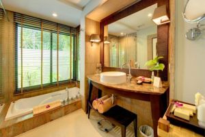 Layana-Resort-Spa-Koh-Lanta-Thailand-Bathroom.jpg