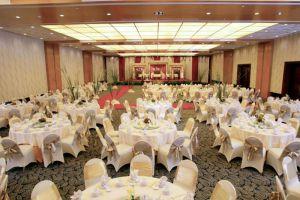 Le-Grandeur-Mangga-Dua-Hotel-Jakarta-Indonesia-Ballroom.jpg