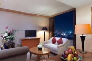 Le-Grandeur-Mangga-Dua-Hotel-Jakarta-Indonesia-Living-Room.jpg