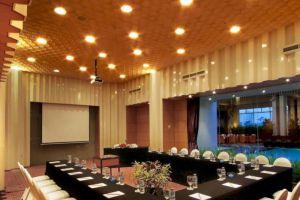 Le-Grandeur-Mangga-Dua-Hotel-Jakarta-Indonesia-Meeting-Room.jpg