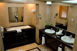 Le-Grandeur-Palm-Resort-Johor-Bahru-Malaysia-Bathroom.jpg