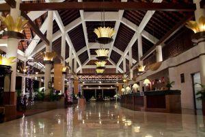 Le-Grandeur-Palm-Resort-Johor-Bahru-Malaysia-Lobby.jpg