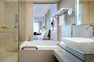 Le-Meridien-Hotel-Chiang-Mai-Thailand-Bathroom.jpg