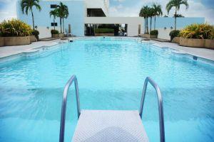 Lee-Gardens-Plaza-Hotel-Hat-Yai-Thailand-Pool.jpg
