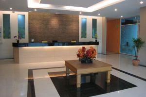 Lee-Nova-Hotel-Bangkok-Thailand-Lobby.jpg