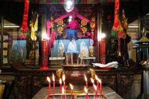 Lim-Ko-Niao-Shrine-Pattani-Thailand-05.jpg