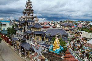Linh-Phuoc-Pagoda-Dalat-Vietnam-001.jpg