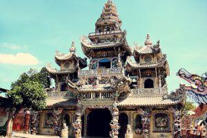 Linh-Phuoc-Pagoda-Dalat-Vietnam-002.jpg