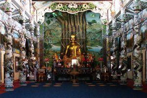 Linh-Phuoc-Pagoda-Dalat-Vietnam-003.jpg