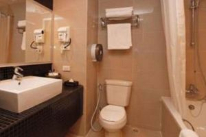 Loft-Hotel-Pattaya-Thailand-Bathroom.jpg
