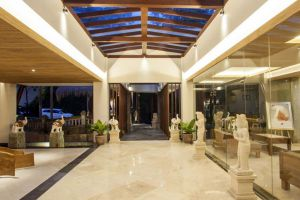 Lokha-Ubud-Resort-Bali-Indonesia-Lobby.jpg