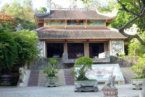 Long-Son-Pagoda-Khanh-Hoa-Vietnam-001.jpg