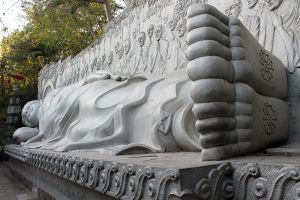 Long-Son-Pagoda-Khanh-Hoa-Vietnam-003.jpg