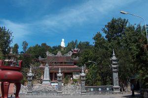 Long-Son-Pagoda-Khanh-Hoa-Vietnam-004.jpg
