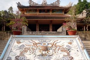 Long-Son-Pagoda-Khanh-Hoa-Vietnam-005.jpg