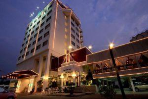 Louis'-Tavern-Hotel-Bangkok-Thailand-Exterior.jpg