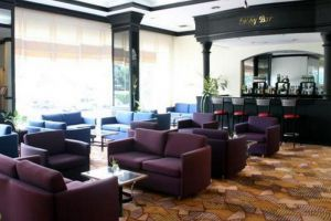 Louis'-Tavern-Hotel-Bangkok-Thailand-Lobby.jpg