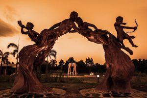 Love-Art-Park-Pattaya-Chonburi-Thailand-02.jpg