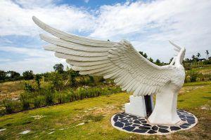 Love-Art-Park-Pattaya-Chonburi-Thailand-04.jpg