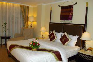 Lux-Riverside-Hotel-Apartment-Phnom-Penh-Cambodia-Room.jpg