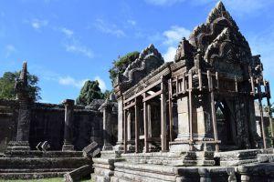 Luxe4Less-Travel-Phnom-Penh-Cambodia-001.jpg