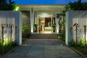 Lynnaya-Urban-River-Resort-Siem-Reap-Cambodia-Entrance.jpg