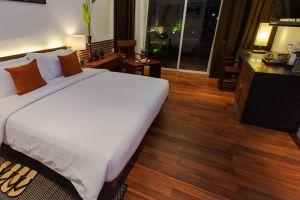 Lynnaya-Urban-River-Resort-Siem-Reap-Cambodia-Room.jpg