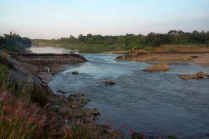 Mae-Ping-River-Chiang-Mai-Thailand-002.jpg