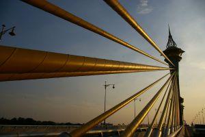 Maha-Chesadabodindranusorn-Bridge-Nonthaburi-Thailand-03.jpg