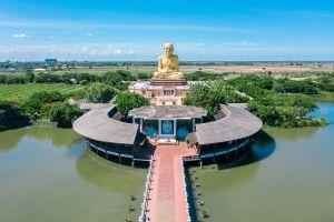 Maharat-Buddhist-Park-Ayutthaya-Thailand-05.jpg