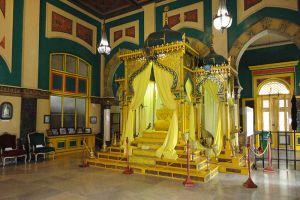 Maimun-Palace-North-Sumatra-Indonesia-002.jpg