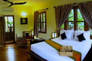 Maisons-Wat-Kor-Resort-Battambang-Cambodia-Room.jpg