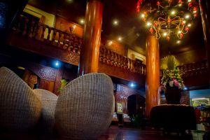 Majestic-Oriental-Hotel-Siem-Reap-Cambodia-Hall.jpg