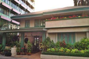 Malaysia-Hotel-Bangkok-Thailand-Exterior.jpg