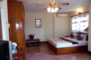 Maly-Hotel-Xieng-Khouang-Laos-Room.jpg