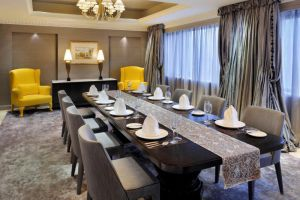 Mandarin-Hotel-Orchard-Singapore-Dining-Room.jpg