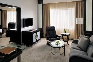 Mandarin-Hotel-Orchard-Singapore-Living-Room.jpg
