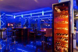 Manhattan-Hotel-Jakarta-Indonesia-Lounge.jpg