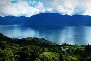 Maninjau-Lake-West-Sumatra-Indonesia-003.jpg