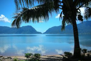 Maninjau-Lake-West-Sumatra-Indonesia-004.jpg