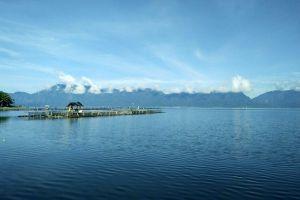 Maninjau-Lake-West-Sumatra-Indonesia-005.jpg