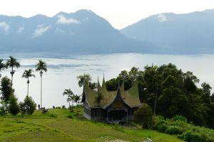 Maninjau-Lake-West-Sumatra-Indonesia-007.jpg