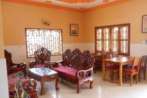 Manor-Guesthouse-Kampot-Cambodia-Lobby.jpg