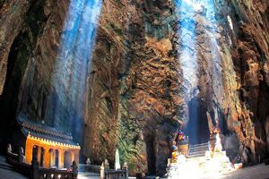 Marble-Mountains-Quang-Nam-Vietnam-006.jpg